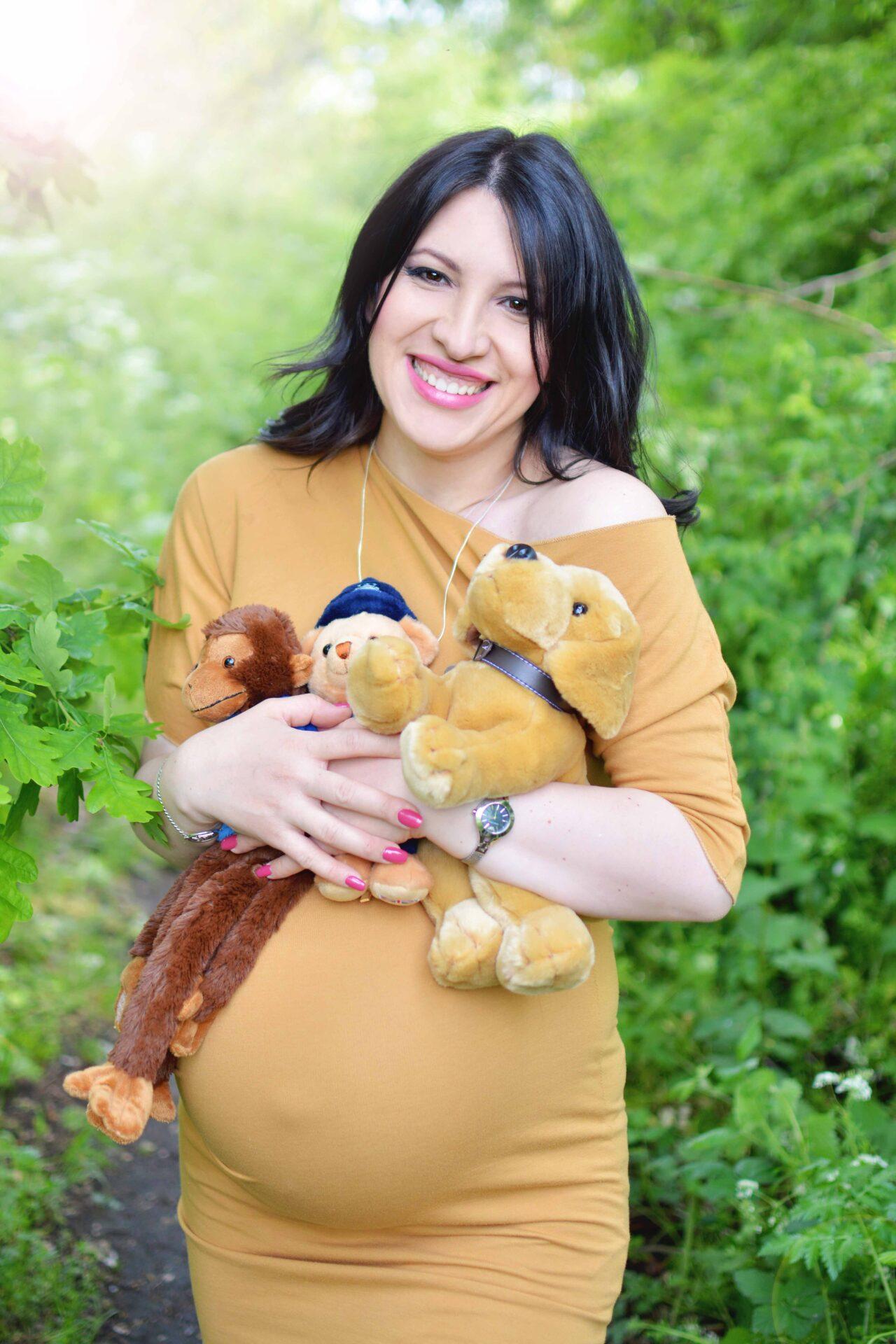 maternity-photography-at-mudchute-park-and-farm-london